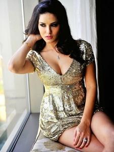 Sunny Leone xxx